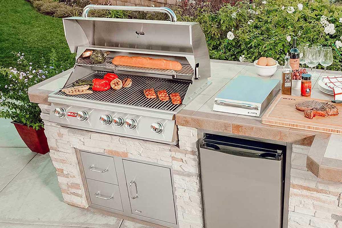 BULL Angus grils- āra virtuves sirds un centrs